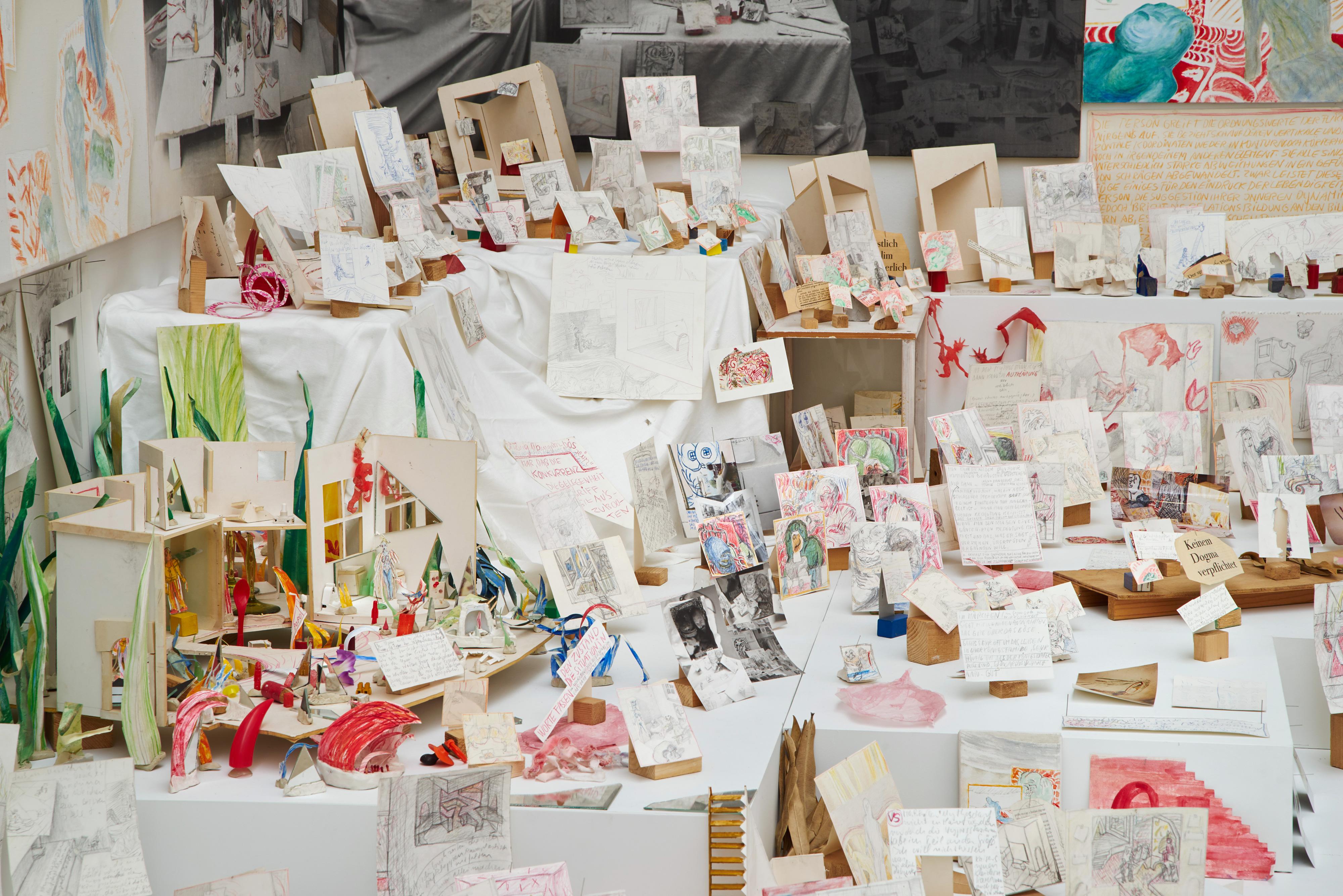 Galerie Barbara Thumm \ Anna Oppermann – Mass and Power