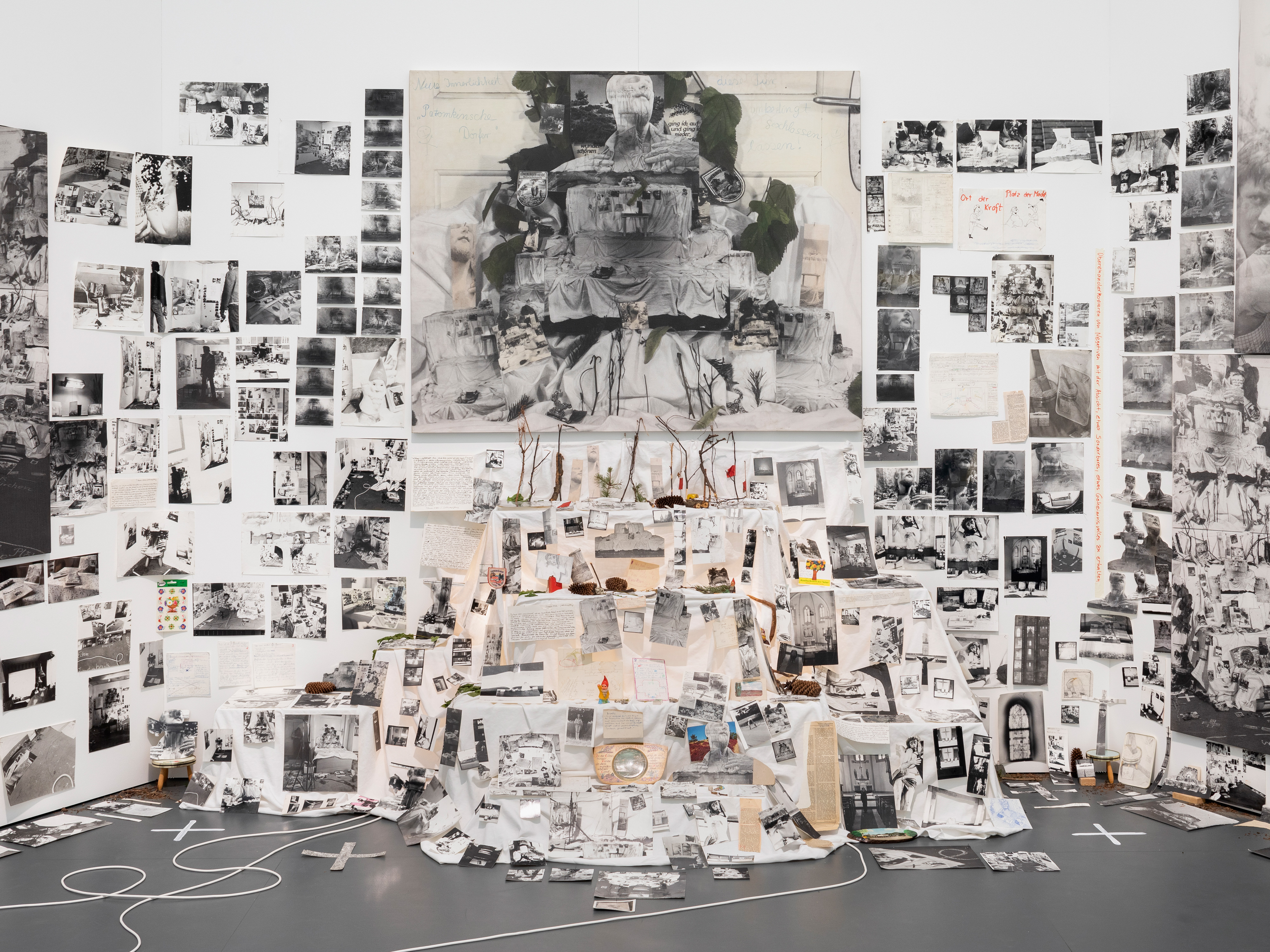 Galerie Barbara Thumm \ Anna Oppermann – Glaube (Group show)