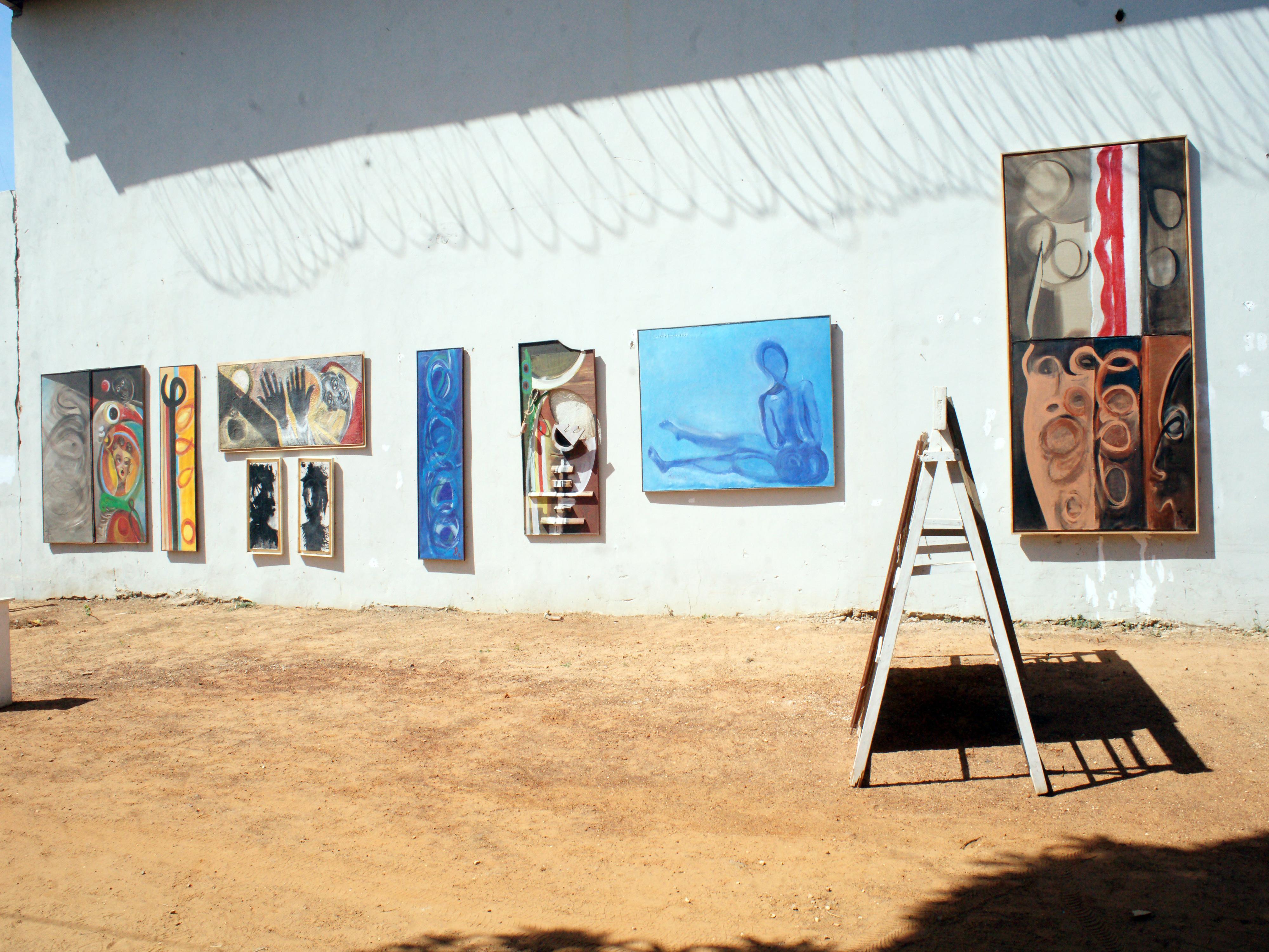 Galerie Barbara Thumm \ El Hadji Sy – Musée de la Rue, Dakar