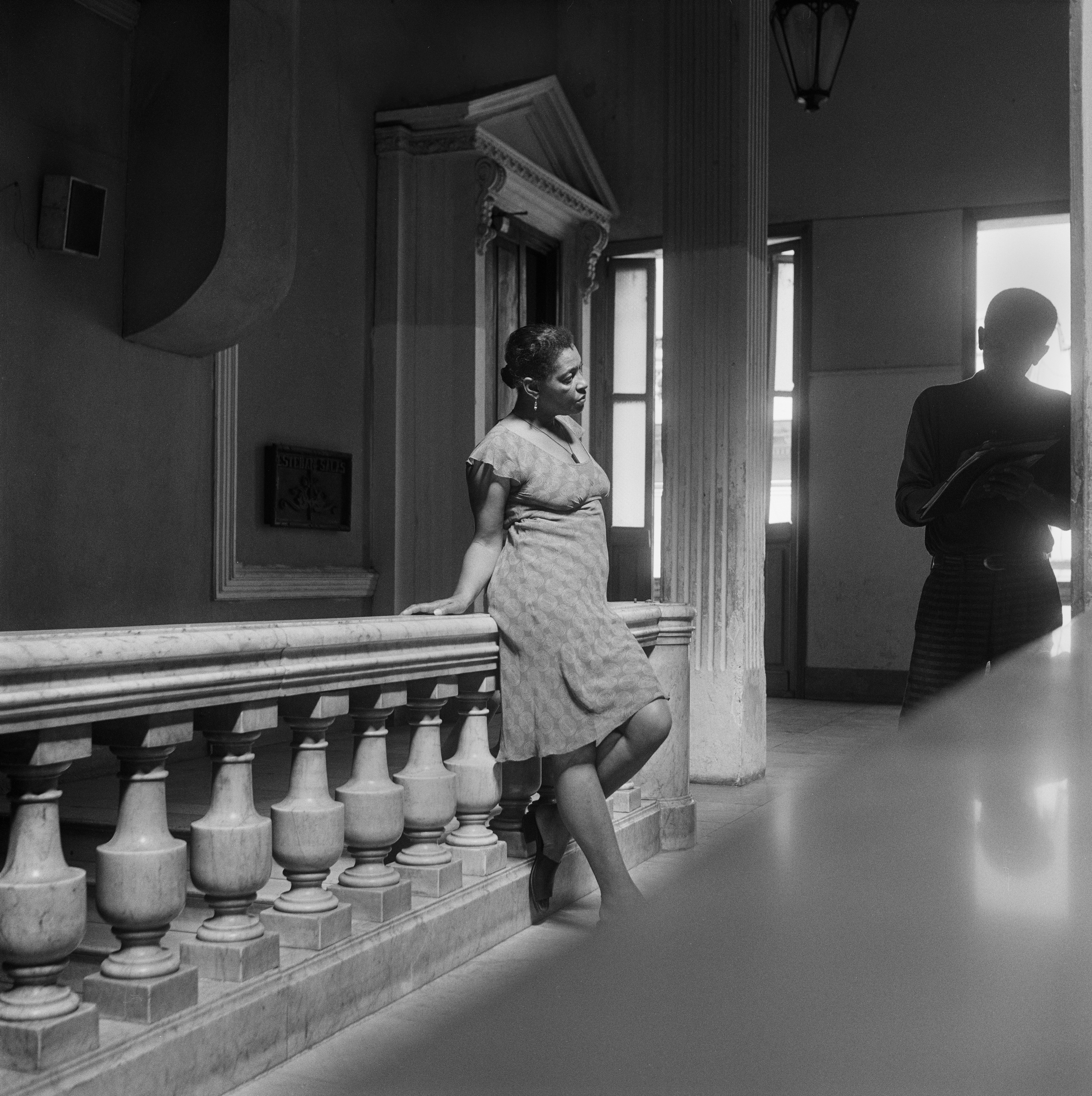 Galerie Barbara Thumm \ Carrie Mae Weems: In the Halls of Justic (CMW-02-004) \ In the Halls of Justice (2002)