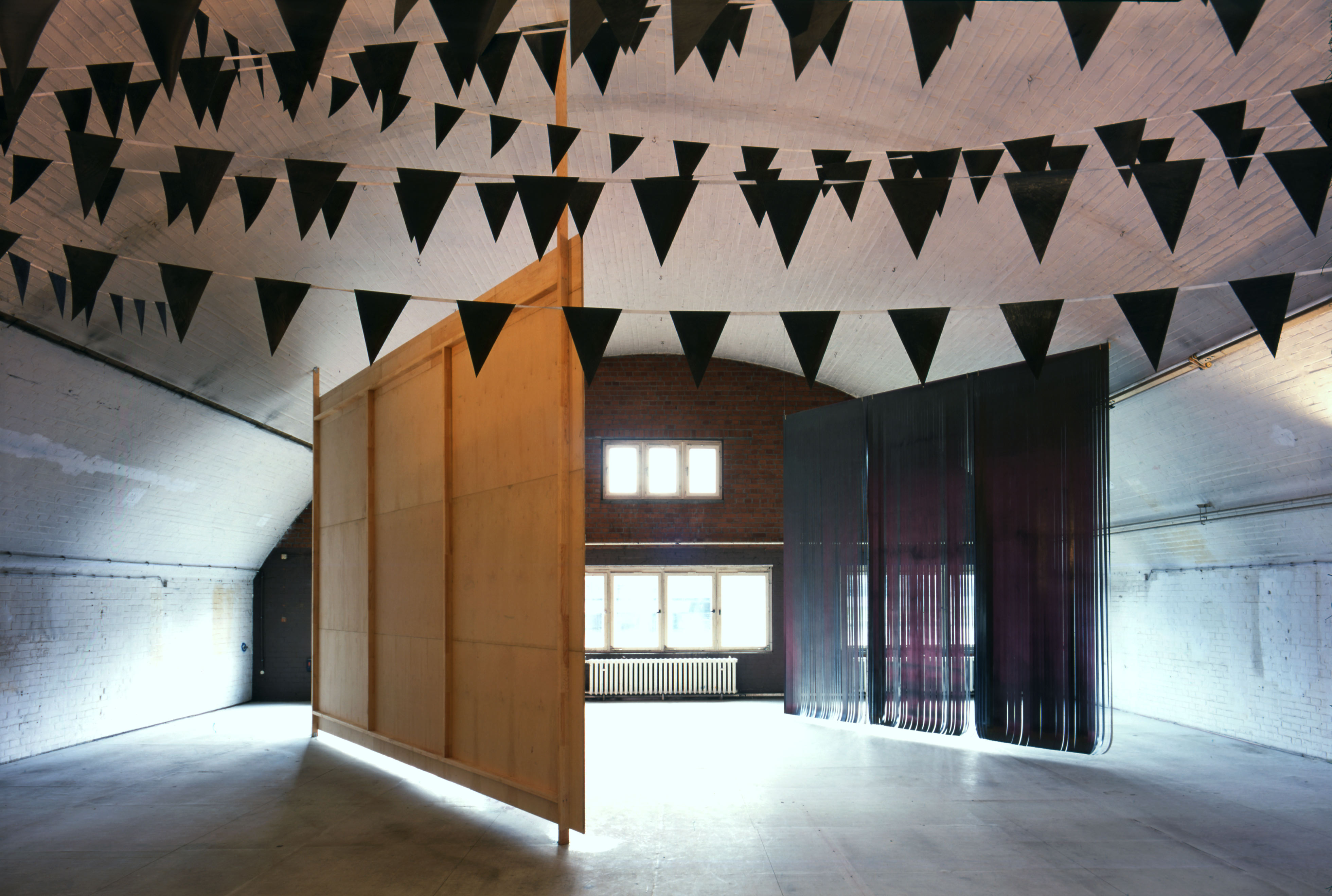 Galerie Barbara Thumm \ Fiona Banner – 2. Berlin Biennale