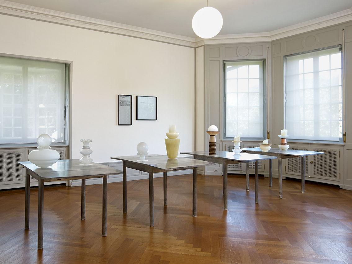 Galerie Barbara Thumm \ Diango Hernández – Salon distingué – Household effects in good company – Museum Langmatt, Baden, Switzerland