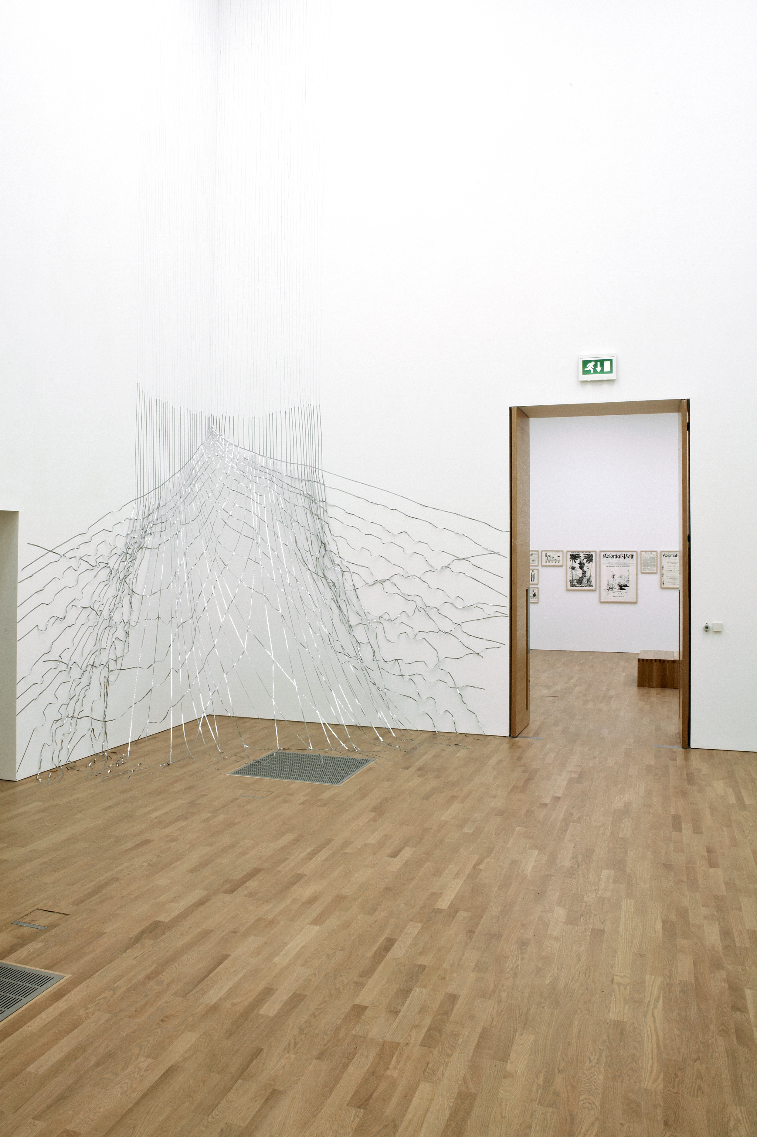 Galerie Barbara Thumm \ Fernando Bryce – The End of the Line: Attitudes in Drawing